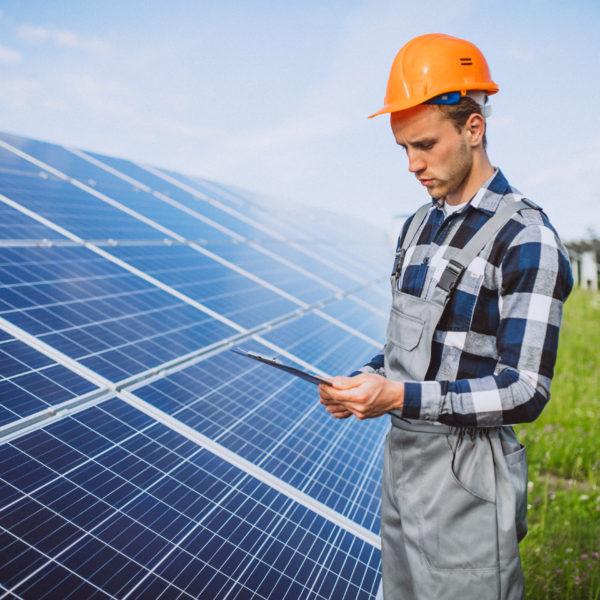 Saiba encantar o seu cliente com ajuda do monitoramento solar